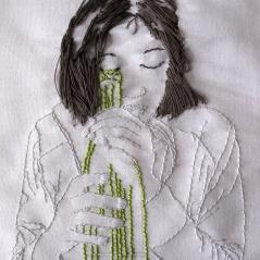 Autoportrait avec loupe bouteille, fils de coton sur toile de coton, avril 2010.